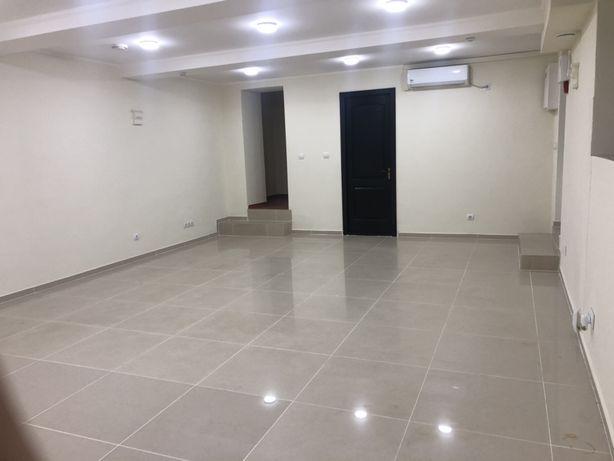 Продаж комерційного приміщення 40 кв.м в центрі м.Свалява