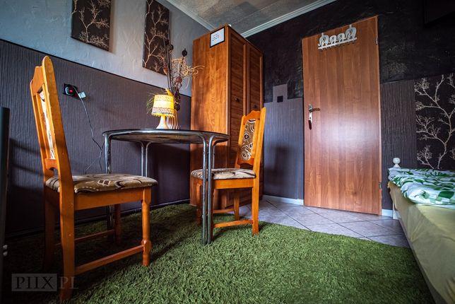 Noclegi stancja pokoje kwatera Legnica Lubin Jawor dom z ogrodem Fv