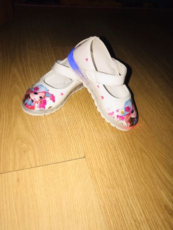 Обув речі піжамка комбенізон угги туфельки