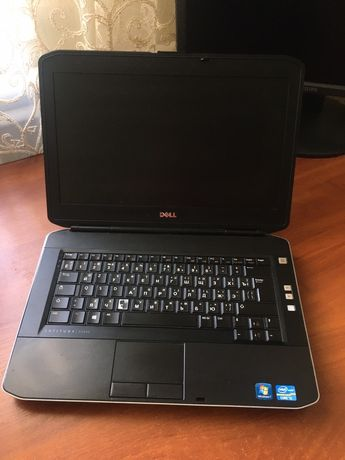 Продам ноудбук DELL, 4gb-озу ssd-320 gb