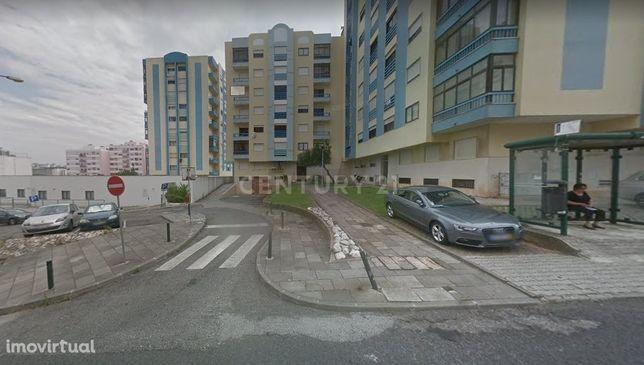 ARRENDA/Apartamento T1(2 assoalhadas) bem localizado em S. Marcos/Cacé