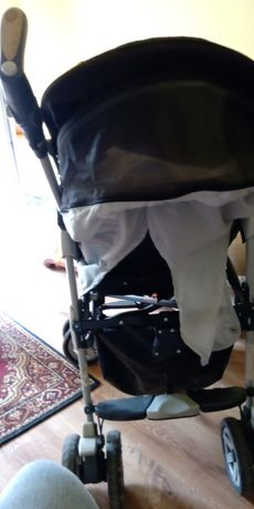 Sprzedam wózek spacerowy firmy chico w dobrym stanie