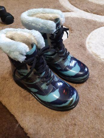 Гумові утеплені чобітки для хлопчика
