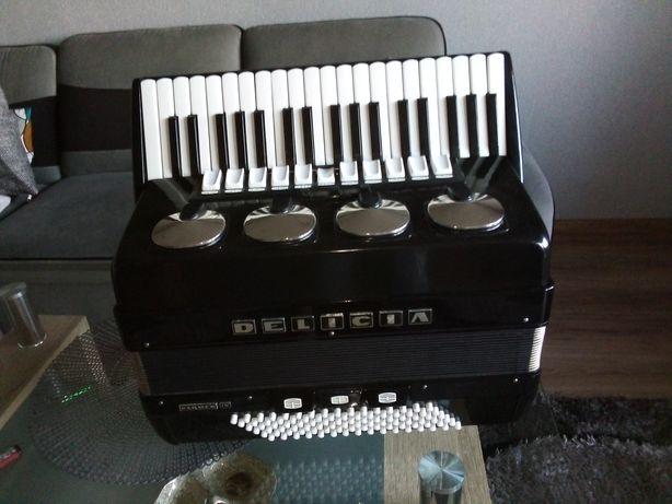 Sprzedam akordeon Delicja 96basów