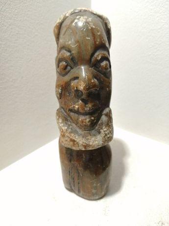 Rzeźba głowa kamienna dekoracyjna