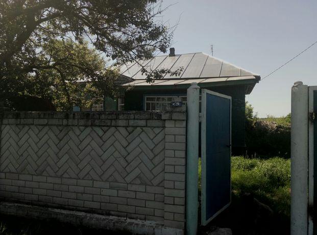 добротний будинок в селі Велика Дорога
