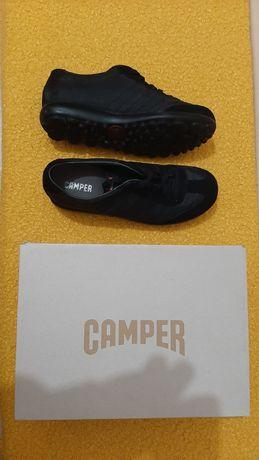 Sapatilhas pretas Camper