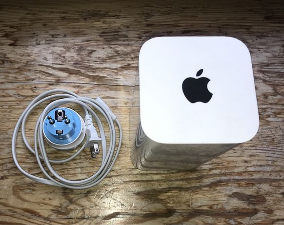 Wi-Fi роутер Apple AirPort Extreme A1521 EMC 2703