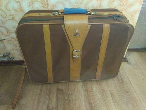 Ретро чемодан. Ретро валіза