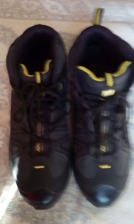 Продам мужские кроссовки SALOMON, 44 размер.