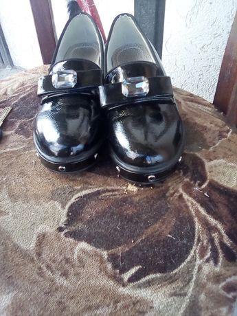 Туфли балетки лаковые красивые