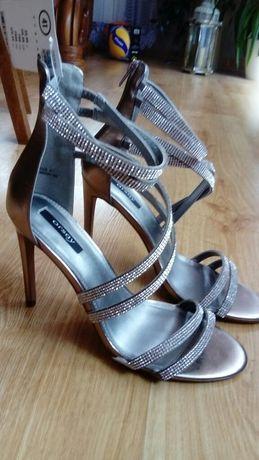 Eleganckie buty, szpilki rozmiar 41