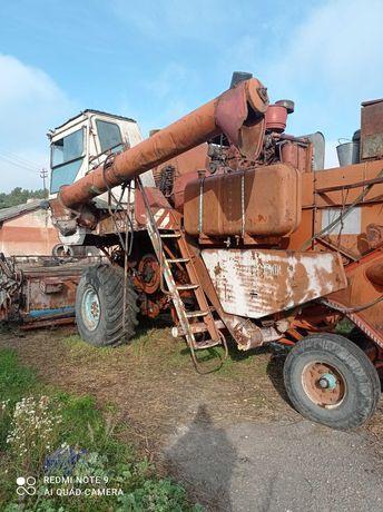 Комбайн зернозбиральний Нива СК-5