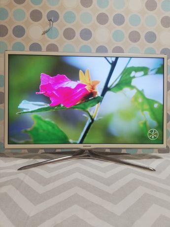 Продам смарт телевизор Samsung