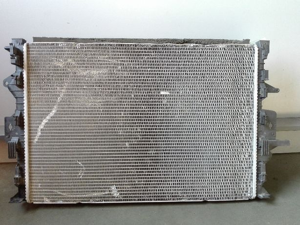 Chłodnica wody wentylator obudowa Volvo V40 XC40 1.6T AutomatGwarancja