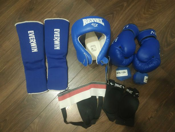 Шлем, перчатки, защиту