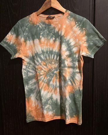 T-shirt laranja e verde