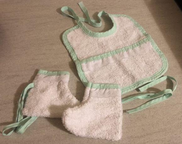Babete e Meias em Turco para bebé. Novos. Portes grátis!