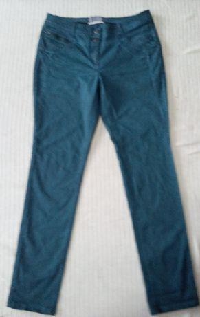 Женские стрейчевые джинсы на очень высокий рост-52 размер