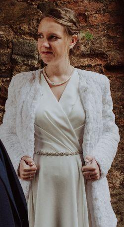 Futerko ślubne, białe zimowe sweterek bolerko płaszczyk