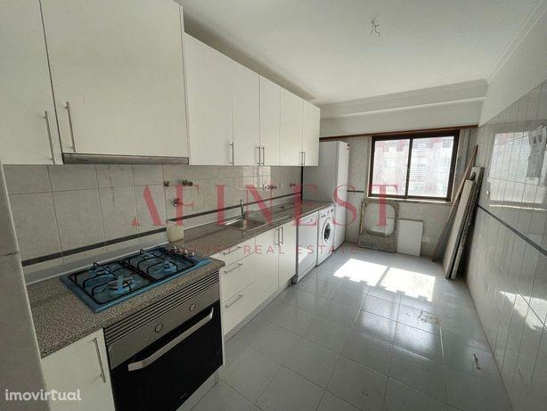 Apartamento T3 Remodelado Na Rinchoa - Sintra