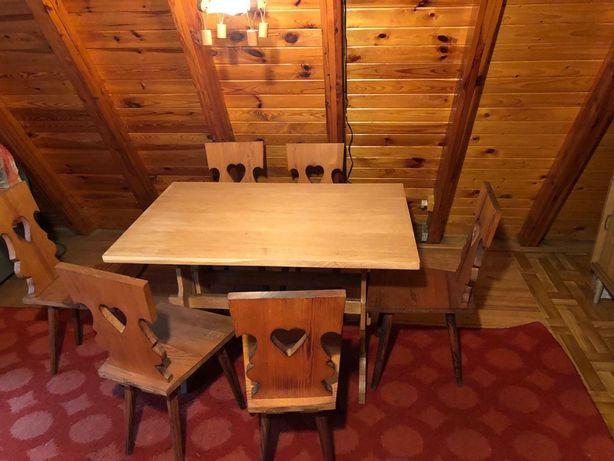Stół z krzeslami