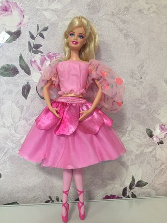 Лялька Барбі-балерина