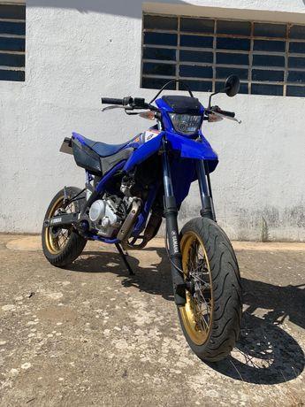 Yamaha WR 125 X b