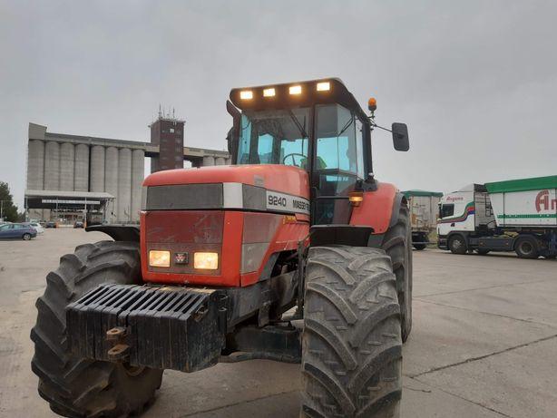 Ciągnik  rolniczy massey ferguson 9240