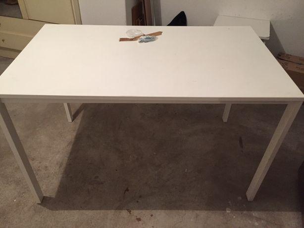 Mesa de cozinha com 4 cadeiras