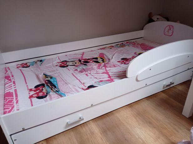 Łóżko pojedyńcze dla dziewczynki szuflada materac