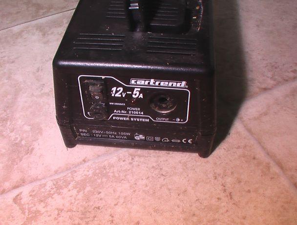 Przetwornica 230V na 12V gniazdo zapalniczki transformator konwerter