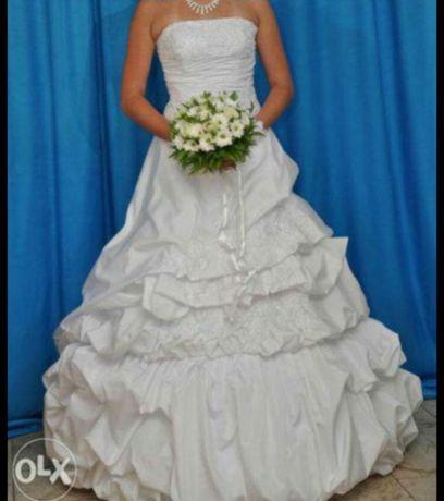 Очень дёшево)Шикарное свадебное платье)