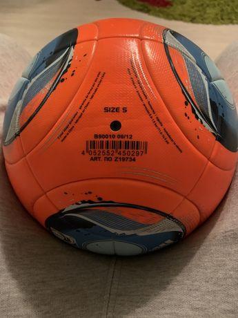 Футбольный мяч adida brasil 2013 с подписью Шевченка