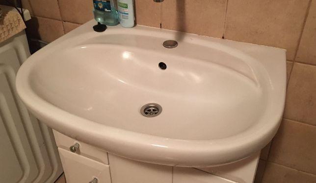 Umywalka łazienkowa Koło używana bez szafki