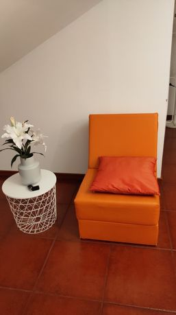 Sofá cambalhota cor laranja