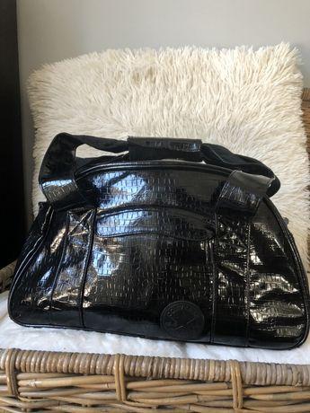 Duza torba Converse czarna lakierowana