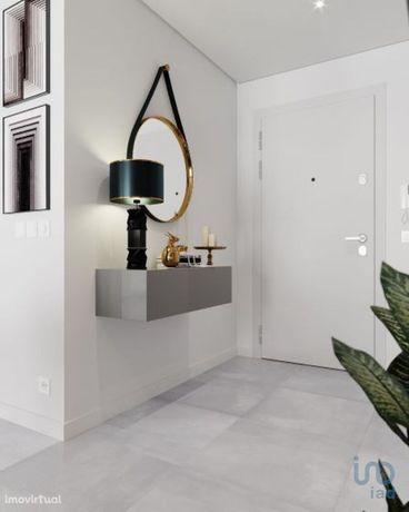 Apartamento - 114 m² - T3