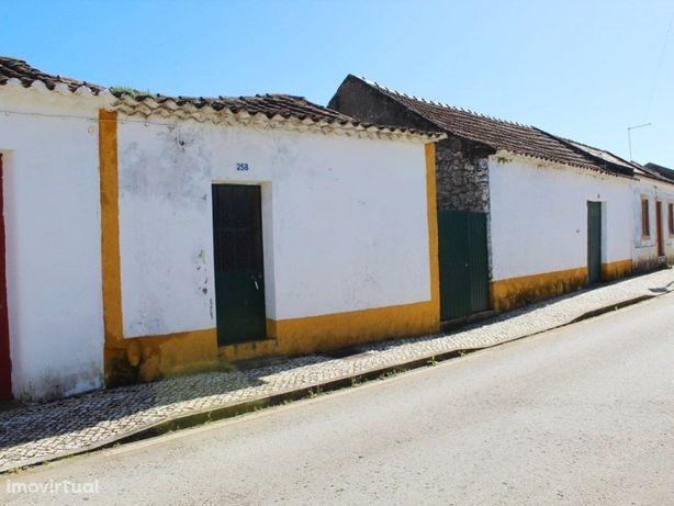 Moradia p/ recuperar entre o Cartaxo e Aveiras - lote de ...