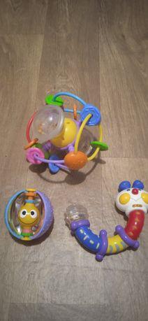 Развивающию игрушки на 6-12месяцев