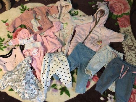 Пакет одежды для девочки 0-6 месяцев