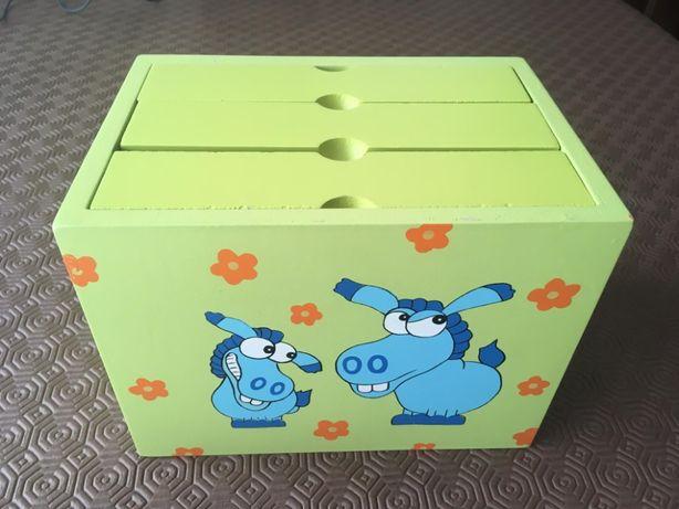 Caixa de madeira para arquivo de fotos