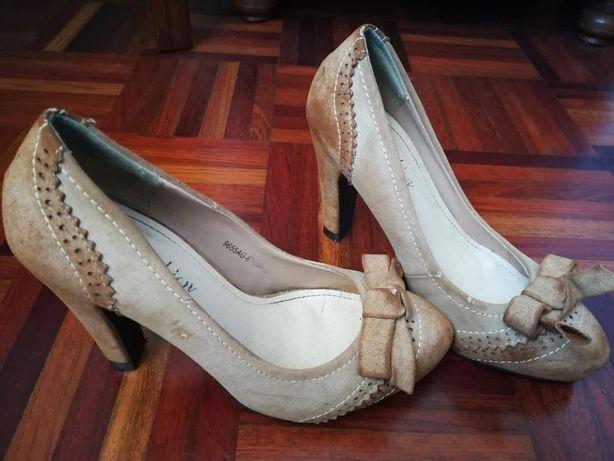 Sapatos Altos Beje 36