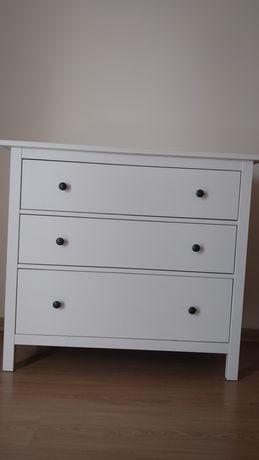 Cómoda Hemnes IKEA 3 gavetas