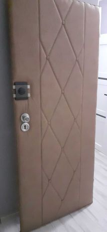 Drzwi zewnętrzne 80