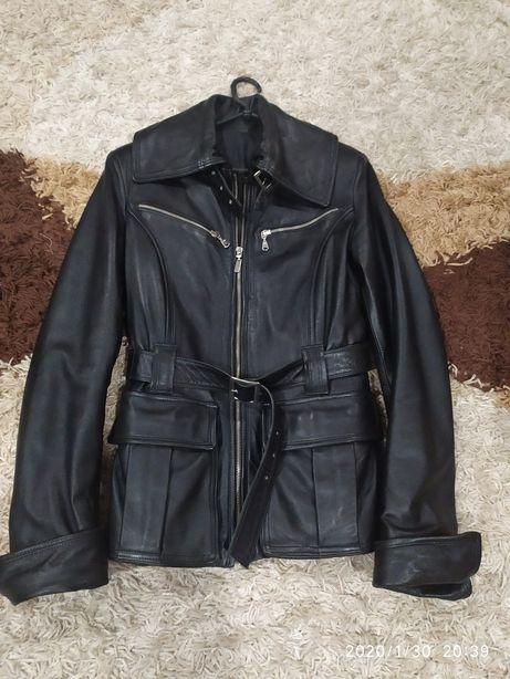 Продам кожну шкіряну куртку жіночу 44-46р