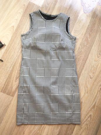 Платье футляр Oodji размер S в клетку