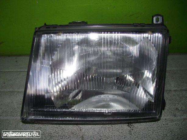 VÁRIAS PEÇAS AUTO - Mercedes 180D - Farol Esquerdo - F1017