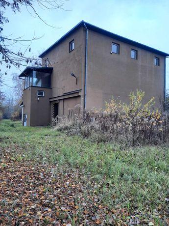 Budynek produkcyjno-magazynowy  657 m2 na działce 1600m2, Starachowice