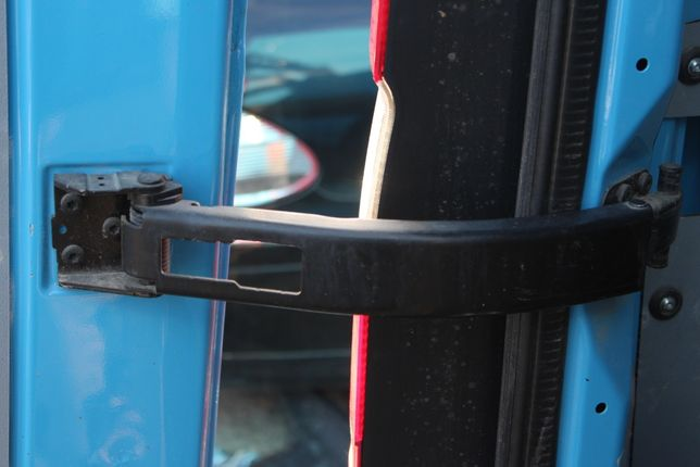 Ogranicznik drzwi tylnych lewy tył Mercedes Sprinter W906 Lift 2016r